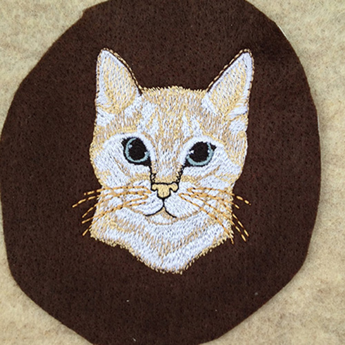 custom-cat-drawing-embroidery